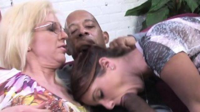 Mom Sindi Star and Tweety Valentine take a BBC