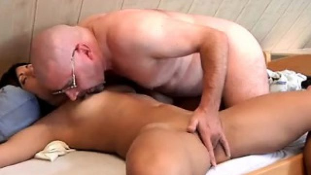 Old massage and bbc blowjob trainer So Will is waking her up
