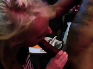 Amateur slut sucks bbc