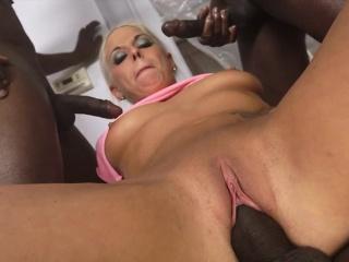 Blonde slut dped by bbc