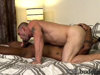 Muscled hunk blows bbc