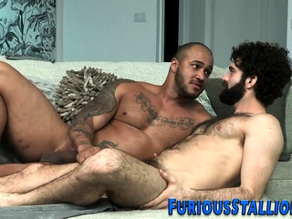 Bearded dude sucks bbc